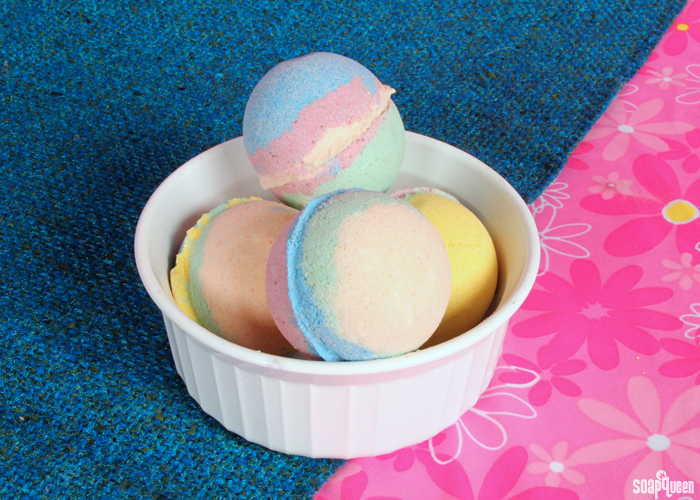 Tie-Dye Bath Bomb Tutorial on Soap Queen