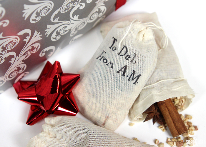 These Potpourri Gift Tags give gifts a special, personalized touch. They are easy to make and smell amazing!
