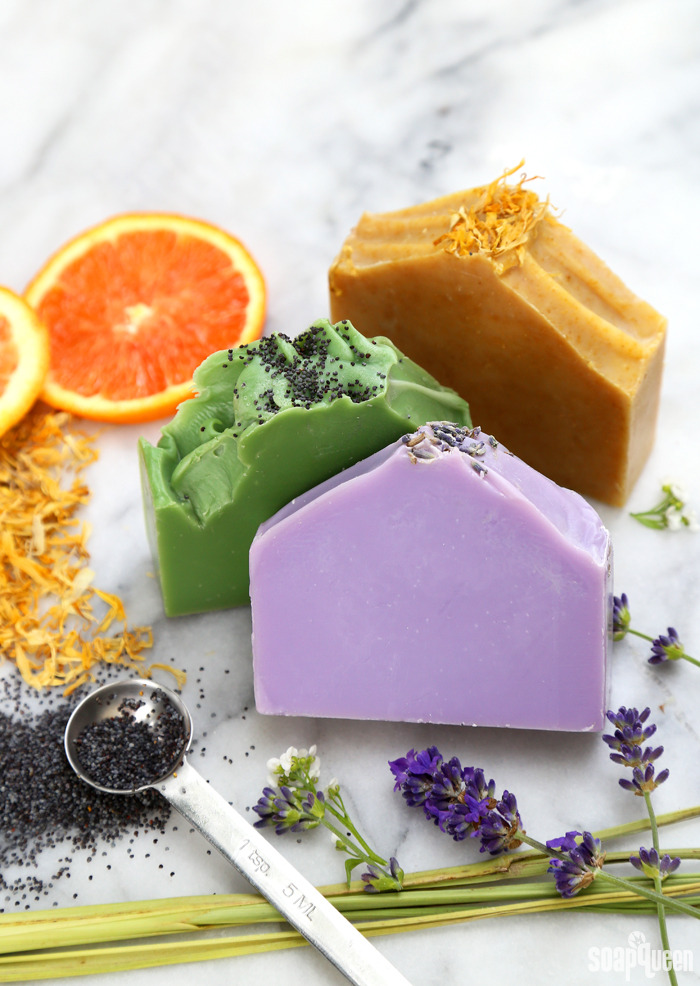 The Natural Soap Kit for Beginners includes everything you need to create natural soap scented with essential oil.