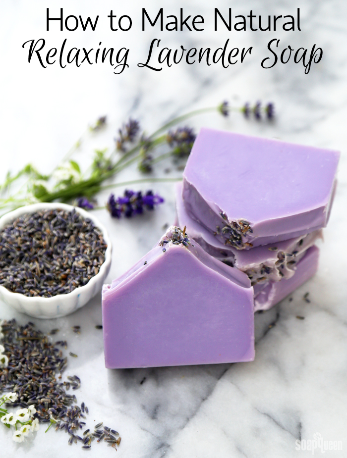 How to Make Relaxing Lavender Soap /// Learn how to make natural soap made with lavender essential oils and lavender buds.