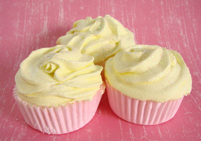 Bath Bomb Cupcakes - Day Two - The Frosting