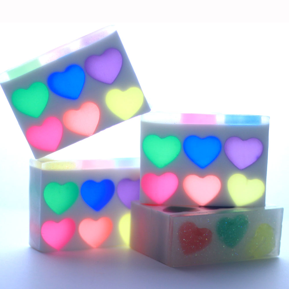 Rainbow Hearts Melt and Pour Kit