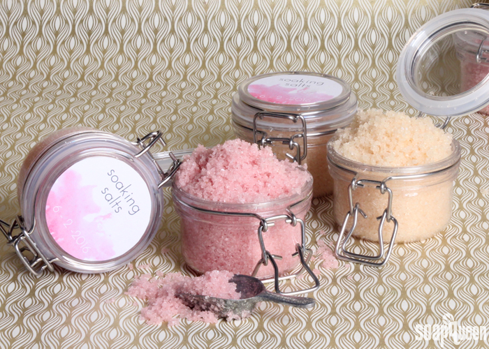 Create your own customized bath salts for wedding favors. They are quick and easy to make, and can also be used as a scrub. Post includes a free printable!