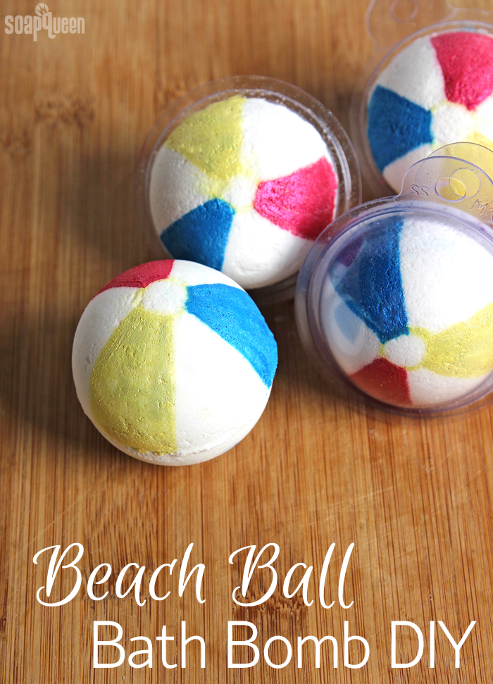 Beach Ball Bath Bomb Tutorial /// Learn how to make these cute bath fizzies that look just like beach balls!
