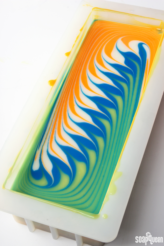 How to Create a Circling Taiwan Swirl in Cold Process Soap