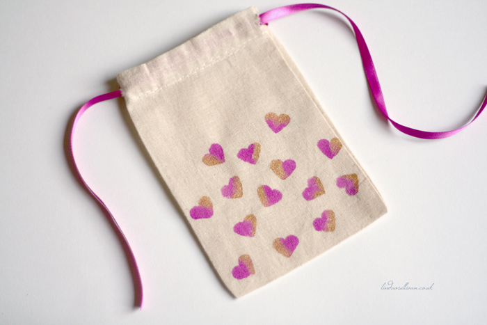 How to Make Custom Stenciled Bags