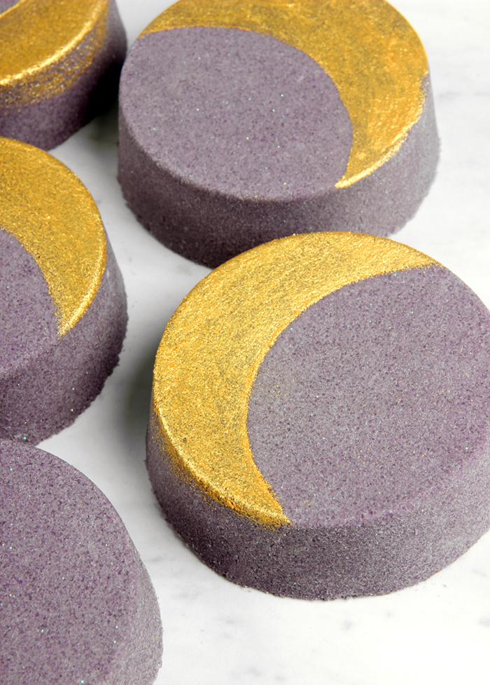 MoonBathBombs