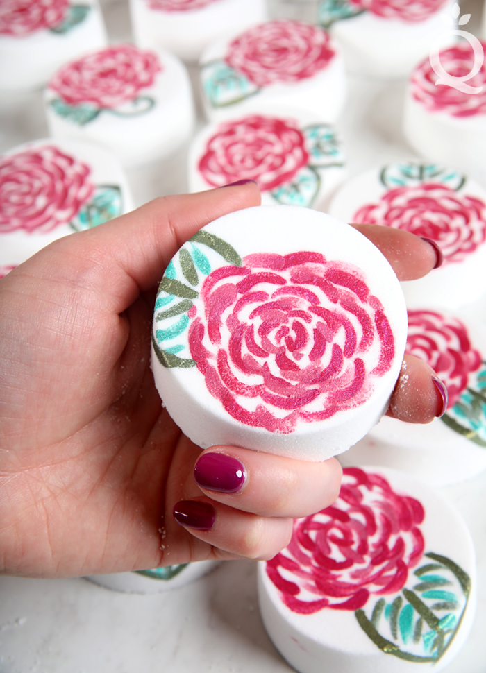 Rose Painted Bath Bomb DIY