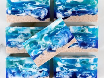 Seascape Melt and Pour_700px